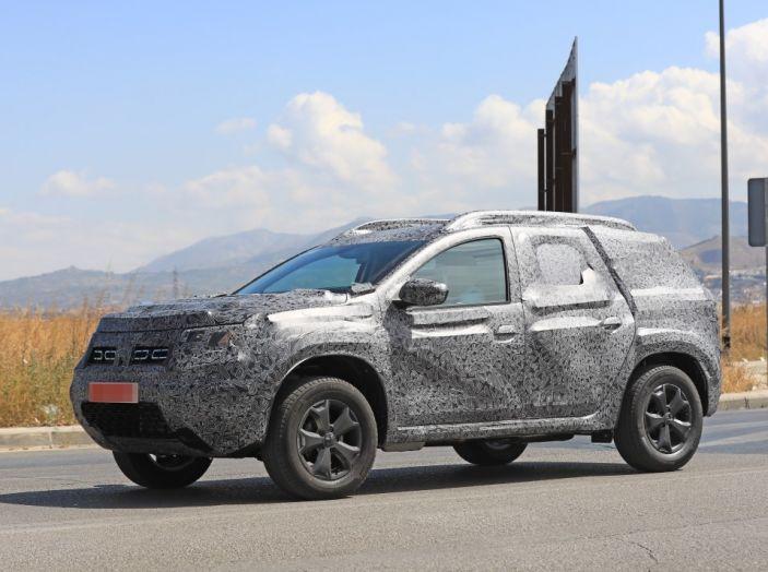 Dacia Duster 2019: linee più imponenti per la seconda serie - Foto 3 di 13