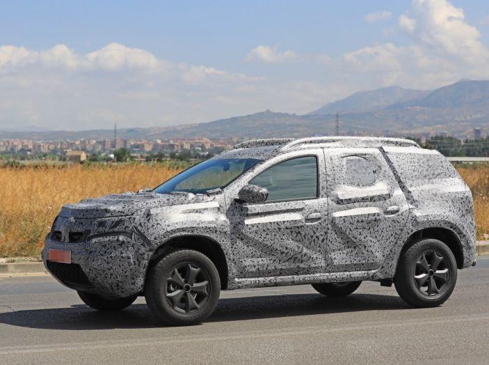 Dacia Duster 2019: linee più imponenti per la seconda serie - Foto 7 di 13