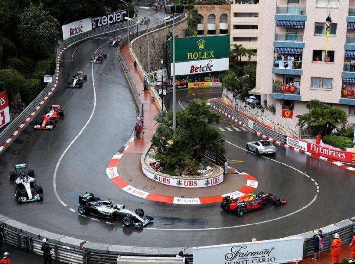 Gp di Monaco, prima fila tutta Ferrari: Raikkonen precede Vettel