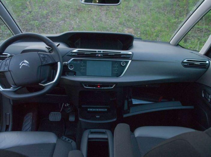 Citroën Grand C4 Picasso automatica : la nostra prova del Diesel da 120CV - Foto 35 di 37