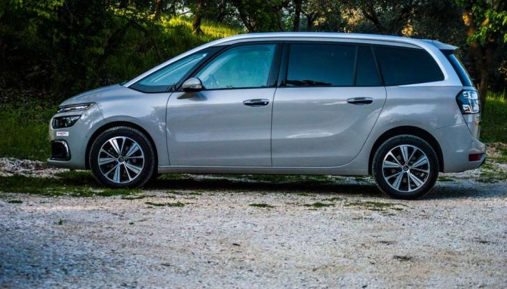 Citroën Grand C4 Picasso automatica : la nostra prova del Diesel da 120CV - Foto 31 di 37