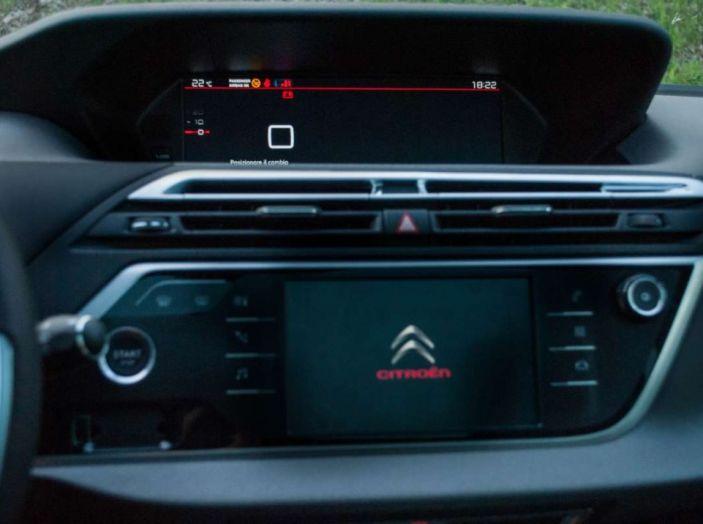 Citroën Grand C4 Picasso automatica : la nostra prova del Diesel da 120CV - Foto 32 di 37