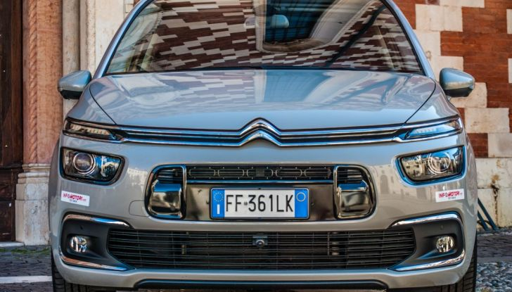 Citroën Grand C4 Picasso automatica : la nostra prova del Diesel da 120CV - Foto 18 di 37