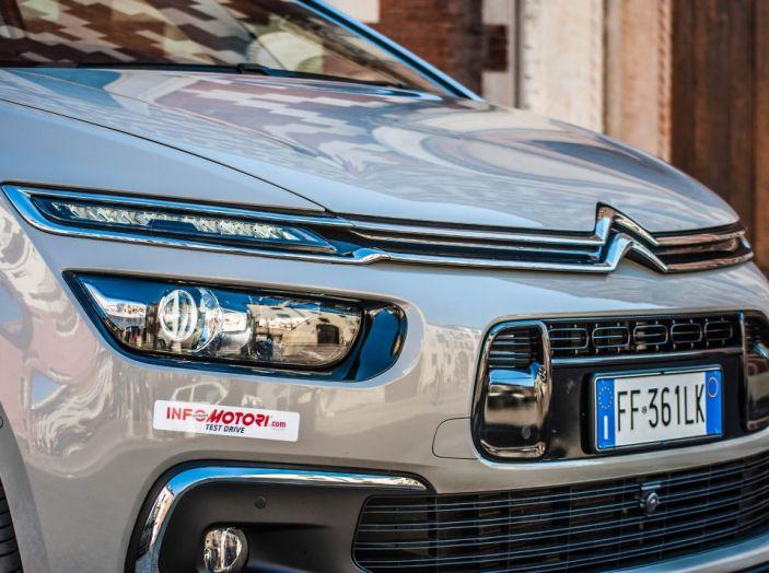 Citroën Grand C4 Picasso automatica : la nostra prova del Diesel da 120CV - Foto 10 di 37