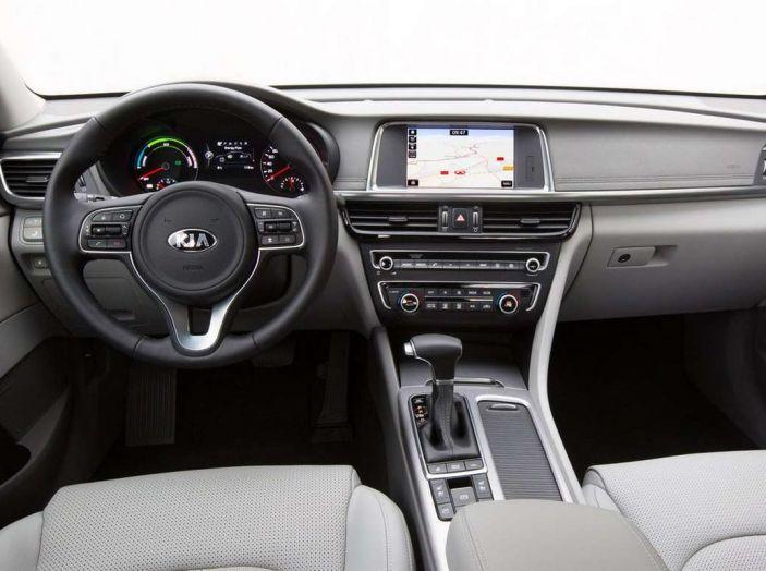 Kia Optima Plug-in Hybrid, prova su strada e impressioni di guida - Foto 12 di 22