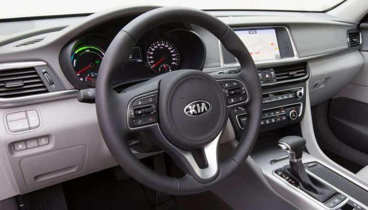 Kia Optima Plug-in Hybrid, prova su strada e impressioni di guida - Foto 4 di 22