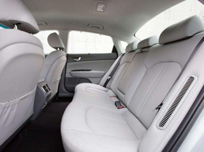 Kia Optima Plug-in Hybrid, prova su strada e impressioni di guida - Foto 20 di 22