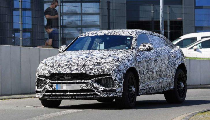 Lamborghini Urus, il SUV di lusso con V8 da 650 CV - Foto 18 di 41