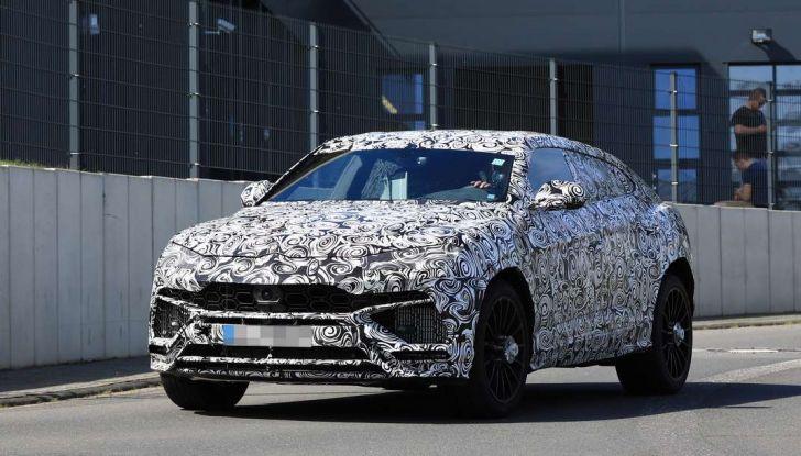 Lamborghini Urus, il SUV di lusso con V8 da 650 CV - Foto 19 di 41