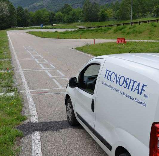 L'autostrada che ricarica le auto elettriche, il prototipo del Politecnico di Torino - Foto 4 di 7