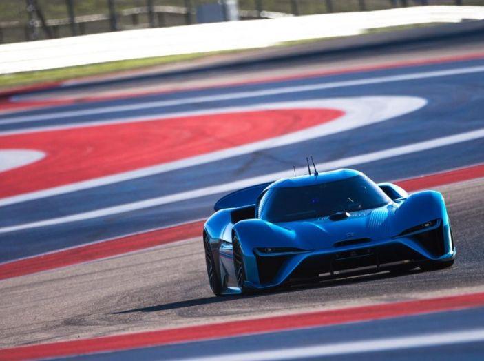 Nuovo record al Nurburgring: la NIO EP9 è la supercar elettrica da 6'45.900 - Foto 3 di 19