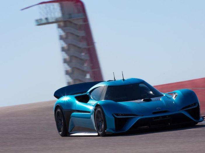 Nuovo record al Nurburgring: la NIO EP9 è la supercar elettrica da 6'45.900 - Foto 4 di 19