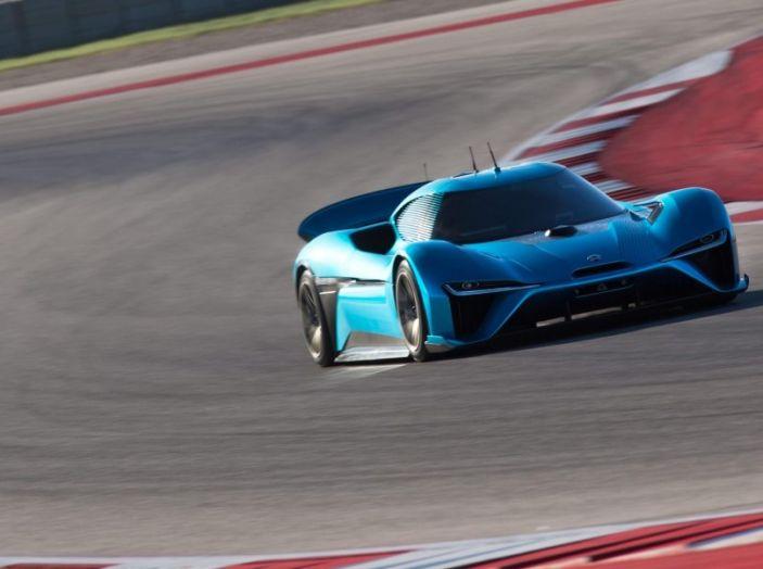 Nuovo record al Nurburgring: la NIO EP9 è la supercar elettrica da 6'45.900 - Foto 5 di 19