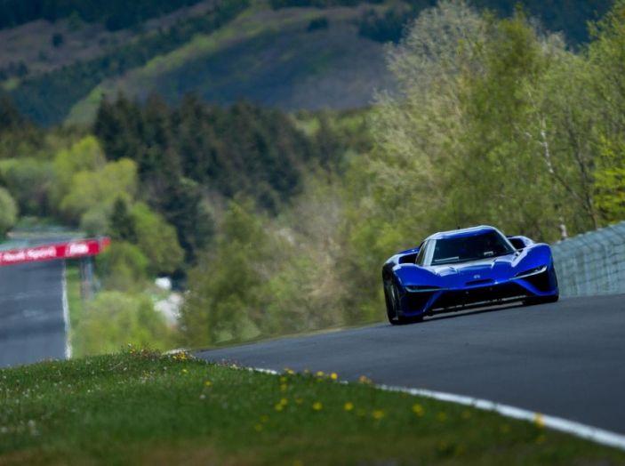 Nuovo record al Nurburgring: la NIO EP9 è la supercar elettrica da 6'45.900 - Foto 2 di 19