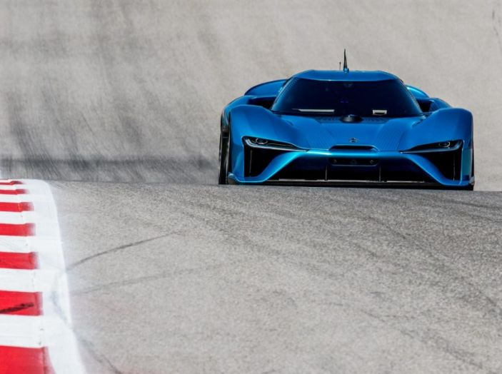 Nuovo record al Nurburgring: la NIO EP9 è la supercar elettrica da 6'45.900 - Foto 6 di 19