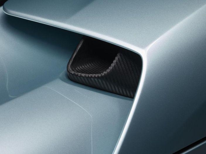 Nuovo record al Nurburgring: la NIO EP9 è la supercar elettrica da 6'45.900 - Foto 9 di 19
