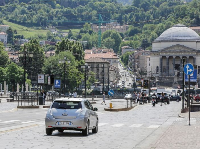 Espansione elettrica: una Nissan Leaf per il Sindaco di Torino - Foto 5 di 17