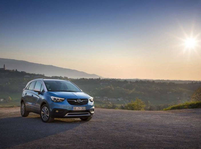 Opel Crossland X, prova su strada del nuovo SUV compatto - Foto 16 di 38