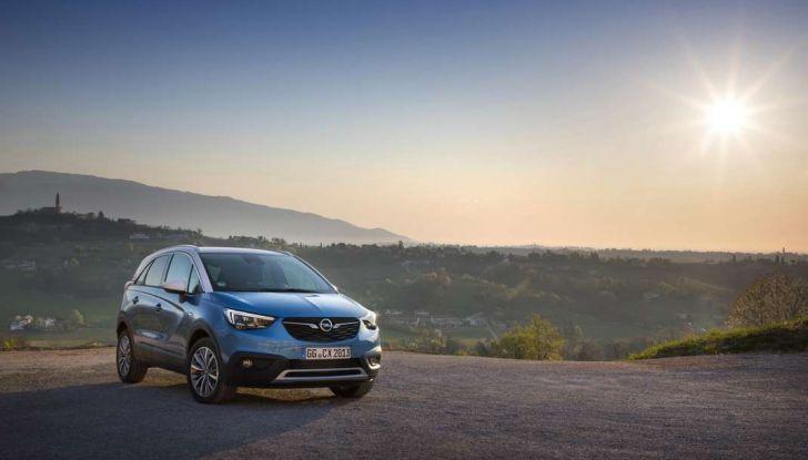 Opel Crossland X, test drive e allestimenti del crossover tedesco - Foto 16 di 38