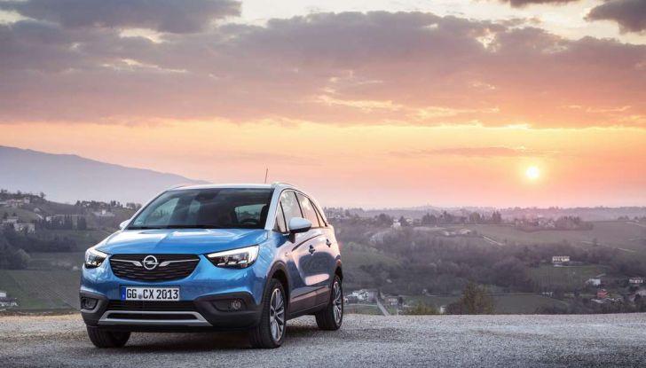 Opel Crossland X, prova su strada del nuovo SUV compatto - Foto 17 di 38