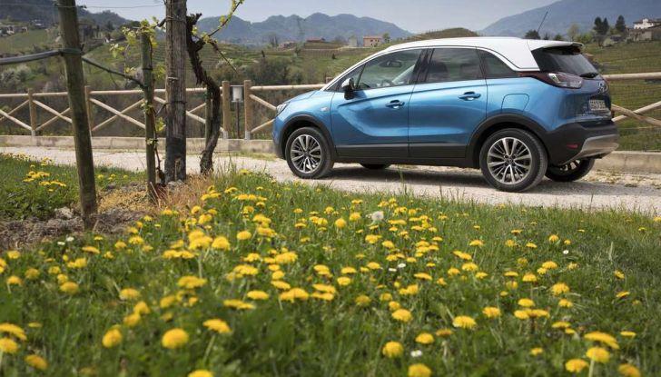 Opel Crossland X, prova su strada del nuovo SUV compatto - Foto 24 di 38