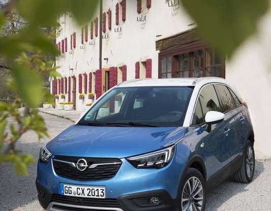 Opel Crossland X, test drive e allestimenti del crossover tedesco - Foto 25 di 38