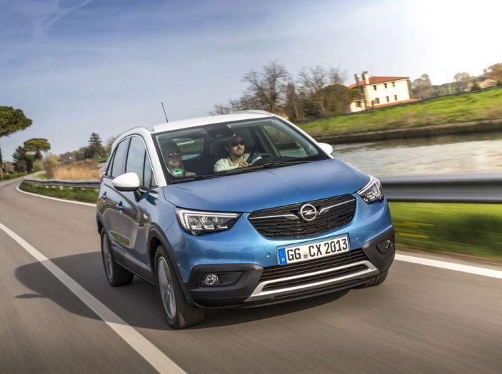 Opel Crossland X, prova su strada del nuovo SUV compatto - Foto 7 di 38