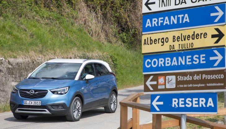 Opel Crossland X, test drive e allestimenti del crossover tedesco - Foto 13 di 38