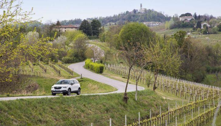 Opel Crossland X, test drive e allestimenti del crossover tedesco - Foto 28 di 38