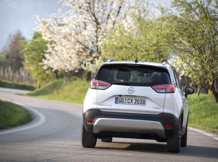 Opel Crossland X, prova su strada del nuovo SUV compatto - Foto 34 di 38