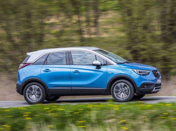 Opel Crossland X, prova su strada del nuovo SUV compatto - Foto 8 di 38