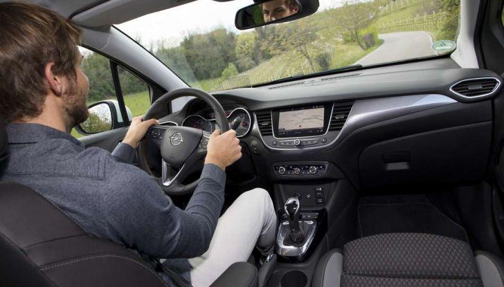 Opel Crossland X, test drive e allestimenti del crossover tedesco - Foto 37 di 38