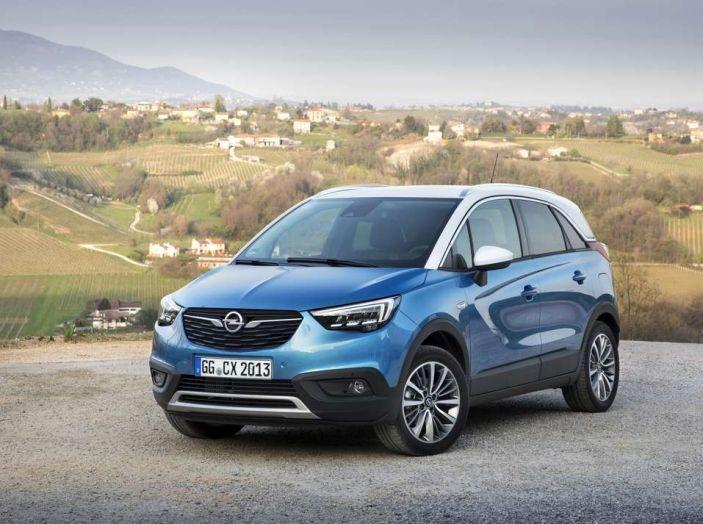 Opel Crossland X, prova su strada del nuovo SUV compatto - Foto 9 di 38