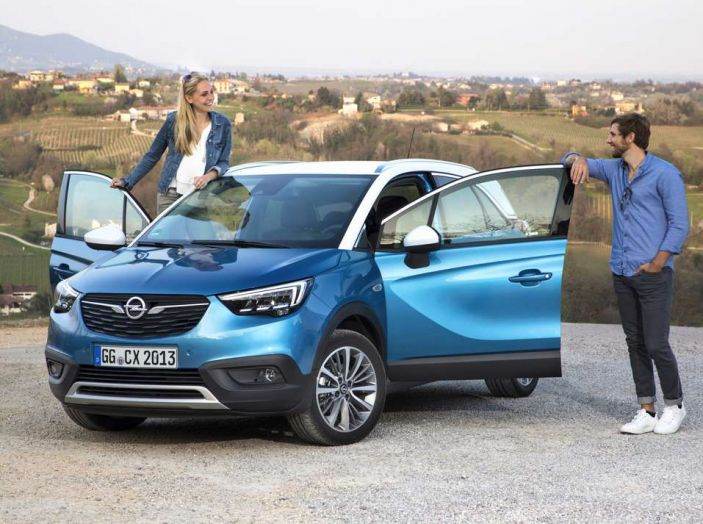 Opel Crossland X, prova su strada del nuovo SUV compatto - Foto 10 di 38