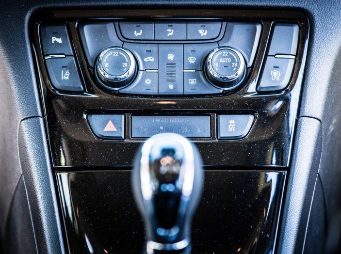 Prova su strada Opel Mokka X GPL: il SUV a tutto gas! - Foto 12 di 35