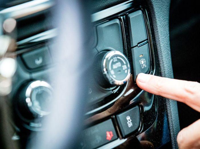 Prova su strada Opel Mokka X GPL: il SUV a tutto gas! - Foto 25 di 35