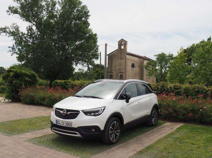 Opel Crossland X, prova su strada del nuovo SUV compatto - Foto 6 di 38