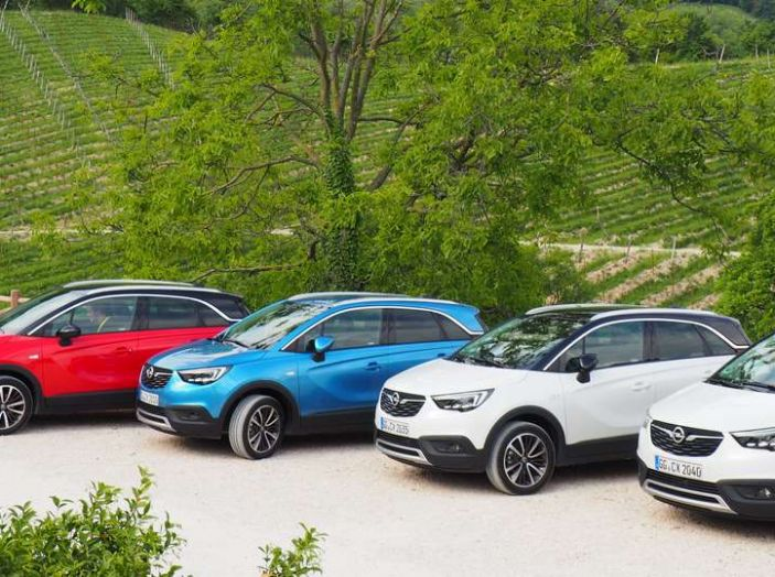 Opel Crossland X, prova su strada del nuovo SUV compatto - Foto 1 di 38