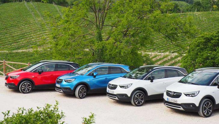 Opel Crossland X, test drive e allestimenti del crossover tedesco - Foto 1 di 38
