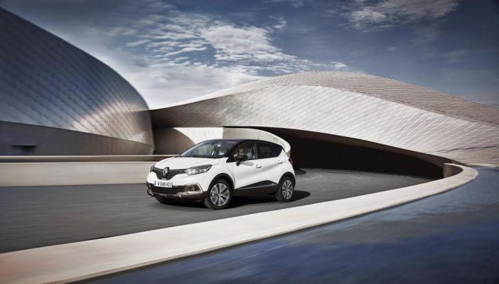 Renault Captur 2017: allestimenti più ricchi per il Crossover francese - Foto 5 di 9