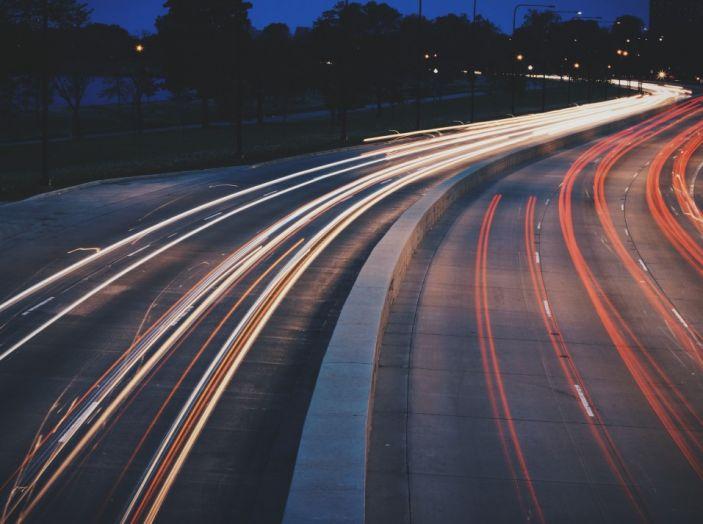 Renault: arriva la ricarica Wireless per le auto elettriche utilizzabile in marcia - Foto 7 di 8
