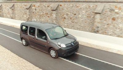 Renault: arriva la ricarica Wireless per le auto elettriche utilizzabile in marcia