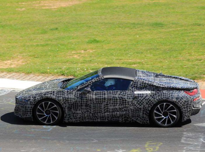 BMW i8 Spyder, prime immagini spia della cabrio tedesca - Foto 26 di 26
