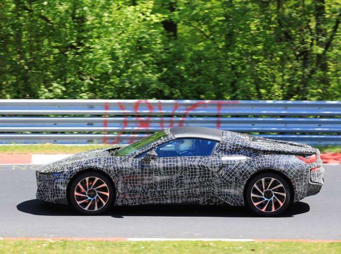 BMW i8 Spyder, prime immagini spia della cabrio tedesca - Foto 19 di 26