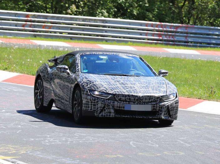 BMW i8 Spyder, prime immagini spia della cabrio tedesca - Foto 21 di 26