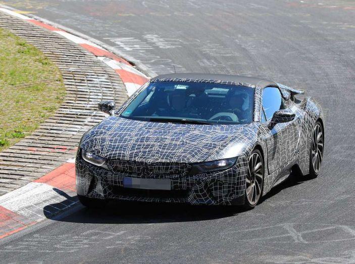 BMW i8 Spyder, prime immagini spia della cabrio tedesca - Foto 23 di 26