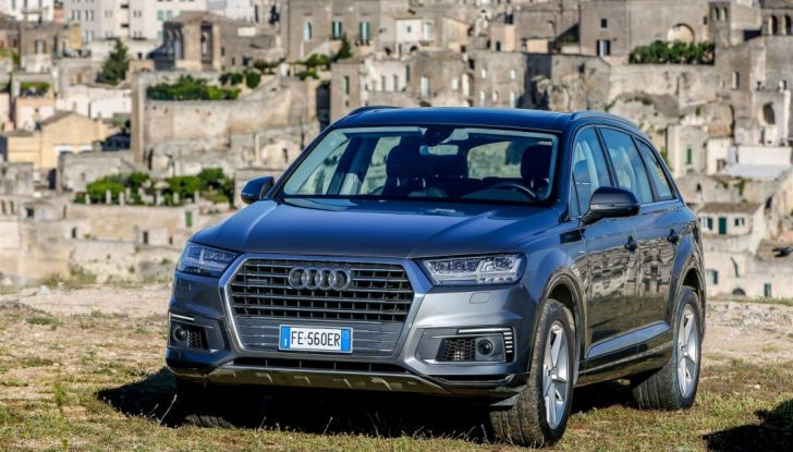 Audi Q: il nostro test dei SUV di Inglostadt in attesa di Q8, Q4 ed E-Tron - Foto 26 di 30