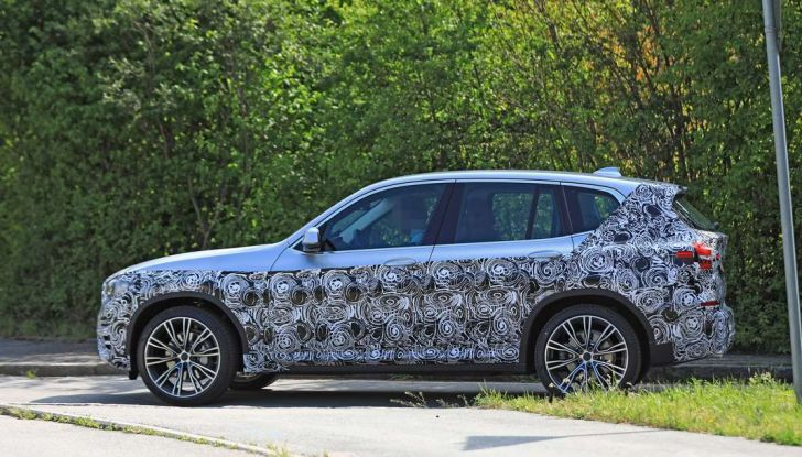 BMW X3 2018, dettagli della nuova generazione del SUV - Foto 12 di 13