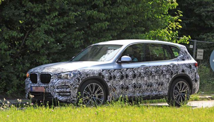 BMW X3 2018, dettagli della nuova generazione del SUV - Foto 1 di 13