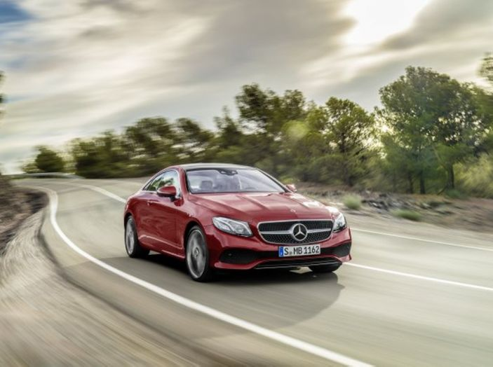 Mercedes Classe E Coupé 2017, la nostra prova tra due epoche - Foto 4 di 18